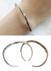18006 - Twist metal bangle <br> (2 color) <br>