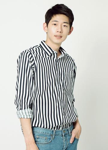 19390 - Hite Stripe Shirt <br> (2 size) <br>