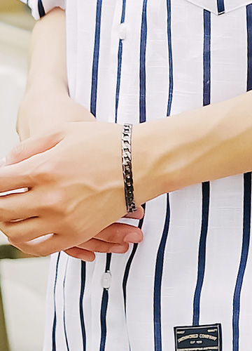 Belling chain bracelet