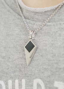 19856 - diamond pendant Necklace <br>