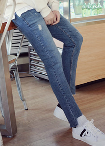 20869 - Narrow Cutting Damage Jeans <br> (4 size) <br>