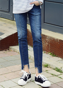 21223 - Front hem damage Jeans <br> (4 size) <br>