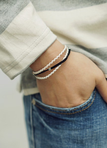 21304 - Million twist magnet bracelet <br>