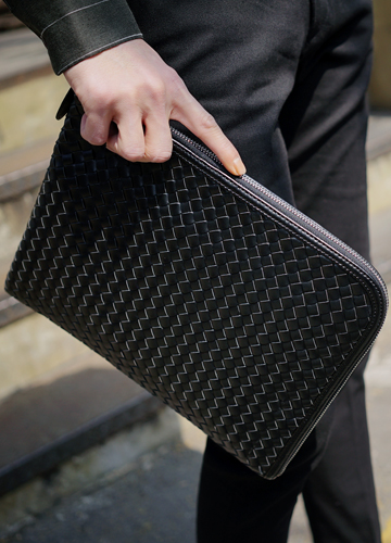 21320 - Mosko Leather Clutch <br>