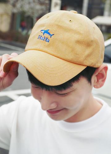 21379 - Vivid shark embroidery ball cap <br>