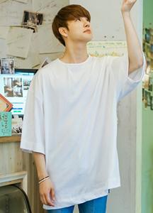 21415 - Maxim Over Box Short T shirts <br> (1 size) <br>