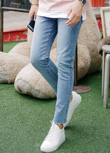 21618 - Pillow cutting denim jeans <br> (4 size) <br>