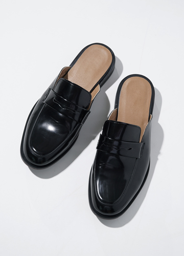 21670 - Flat leather loafers <br> (10 mm) <br>