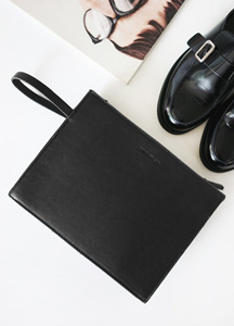 21688 - Hamilton Leather Clutch <br>