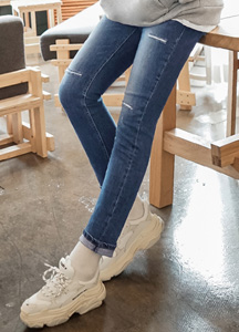 22236 - triple knife cutting Jeans <br> <font style=font-size:11px;color:#595959>28/30/32/34</font> <br>