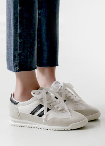 22552 - <b>4cm height-high shoes</b> <br> Double line light Sneakers <br> <font style=font-size:11px;color:#595959>230mm ~ 280mm</font> <br> <font color=#ff0000><b>[Man and woman couple]</b></font> <br>