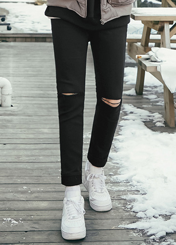 22491 - Knife Cutting chic Black jeans <br> <font style=font-size:11px;color:#595959>28/30/32/34</font> <br>