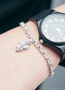 23114 - Leaves pendant bracelet <br>