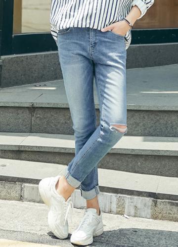 23234 - single cut Slim denim pants <br> <font style=font-size:11px;color:#595959>28/30/32/34</font> <br>