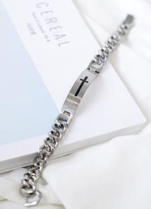 23438 - cross stick chain bracelet <br><br>