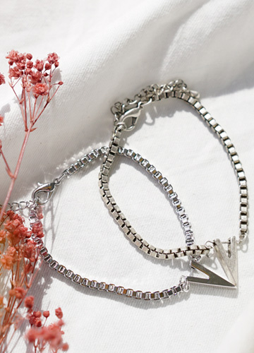 23493 - Victory chain surreal bracelet <br><br>