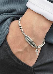 23534 - Lip Cross Surge Bracelet <br><br>
