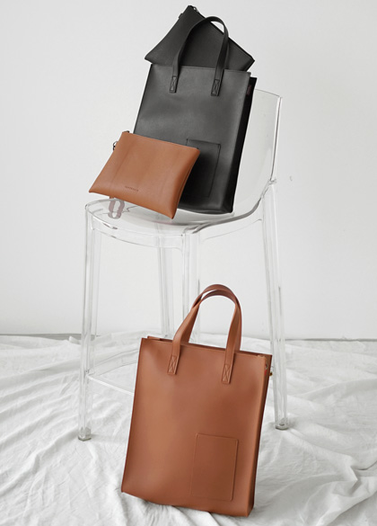 23087 - Left Field Leather Toddle Bag <br>