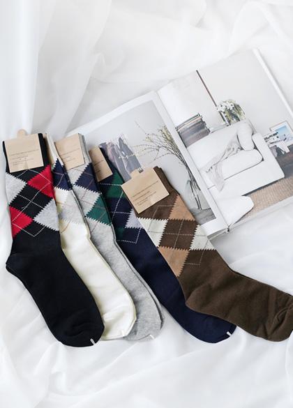 2357 - A114 / Argyle pattern socks <br><br>