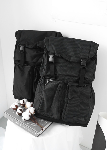 19068 - Square Pocket BackPack <br>