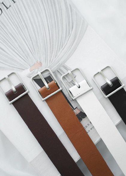 24362 - Square key point leather belt <br><br>