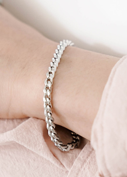 24462 - Lip chain modern bracelet <br><br>
