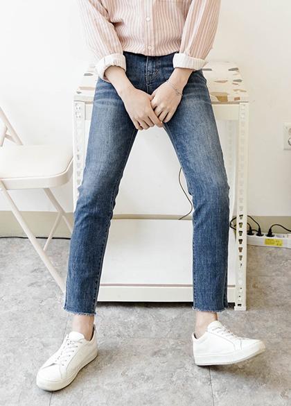 24543 - Slim regular cut denim jeans <br> <font style=font-size:11px;color:#595959>S ~ XL (28 ~ 34)</font> <br>